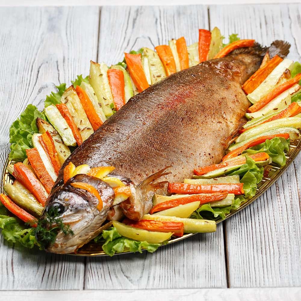 Форель запеченная с овощами 1 кг